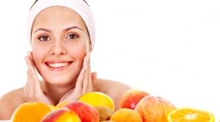 خلطات طبيعية من الفواكه والخضار لجمال بشرتك